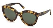 """Seleccione el menú """"COMPRAR"""" si desea comprar unas gafas de Balenciaga o seleccione la herramienta """"ZOOM"""" si desea ampliar la foto BA0133-55N."""